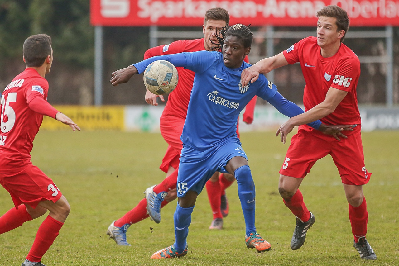 Bocar Djumo playing for FC Oberslausitz Neugersdorf in Germany. Photo by Florian Richter
